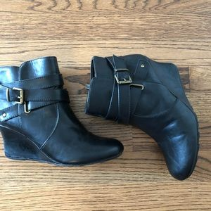 Kenneth Cole Reaction woman's black boot size 7.5